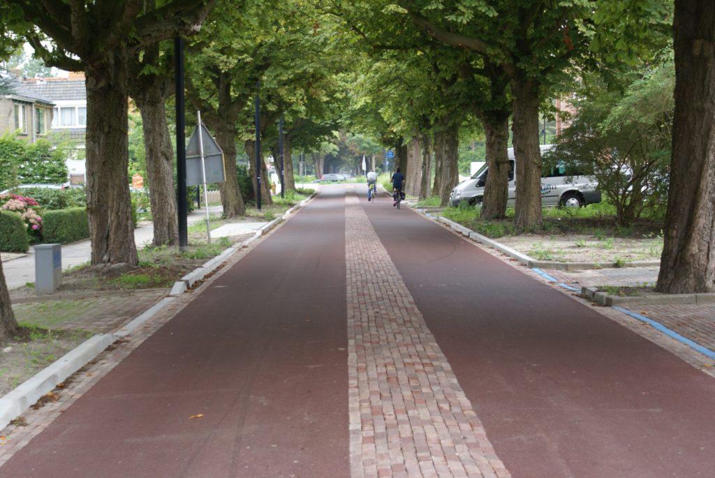 Heerhugowaard, Stationsweg
