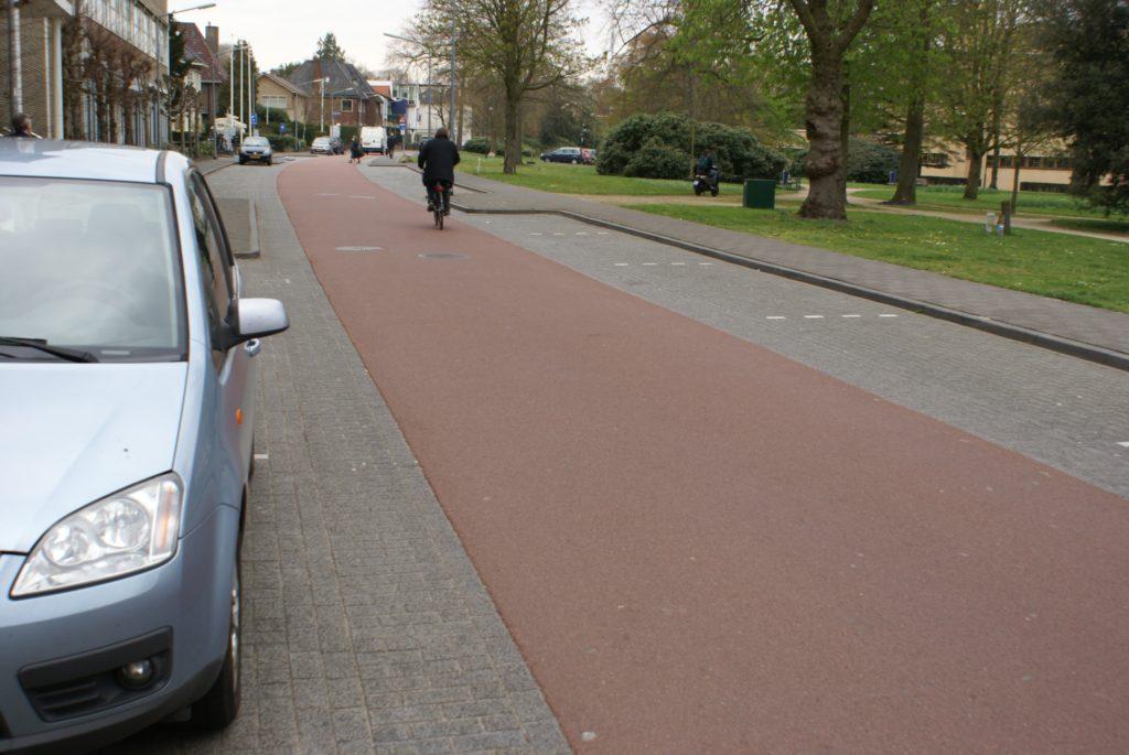 Hilversum, Hoge Naarderweg